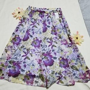 Skirt with flowers